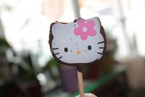 Sucette au chocolat Hello Kitty dans Février 2013 img_1660-300x200